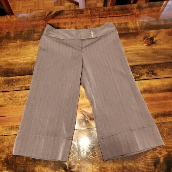 Grey wide leg capri dress pants juniors 13 EUC